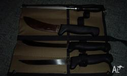 Forsyth brand knife set includes 3 different knifes and