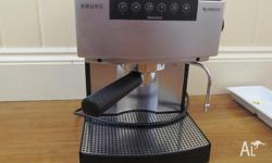 KRUPPS NESPRESSO COFFEE MACHINE VERY GOOD WORKING ORDER