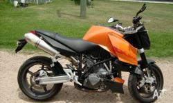 KTM 990 Superduke 2005 model in excellent condition.