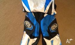 Ladies size 12-14 dirtbike gear. Great condition
