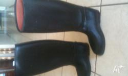 I have for sale ladies Tall Rubber riding boots. They
