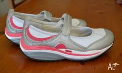 Portland 'Get Fit' Tone Walker shoes. Used only a few
