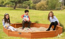 Large Sandpit This Sandpit comes with a cover for the