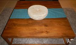 as new - large aquare coffee table