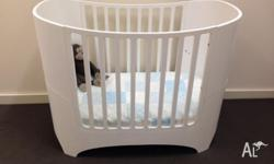 Leander Cot / Toddler Bed White in next to new