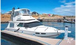 LEEDER 28 BEACH HOUSE, Flybridge with dual controls,