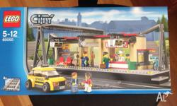BRAND NEW - UNOPENED !! Take a taxi to the busy LEGO®