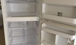 White Enamel 392 Litre Top Mount Fridge/Freezer in