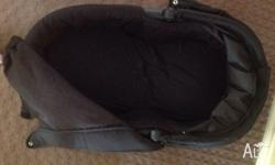 Selling Baby Jogger hard bassinet in excellent