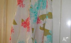 Pretty gored linen skirt. Size is XL. In good