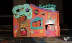 A friendly treehouse for your Littlest Pet Shop? with