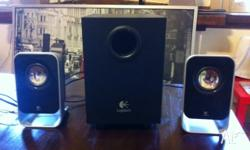 I sell this LOGITECH SPEAKERS in perfect working