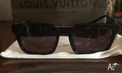 Wanting to sell my pair of Louis Vuitton Mystere E