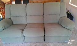 3 SEATER LOUNGE END SEATS ARE RECLINERS,, 2 X SINGLE