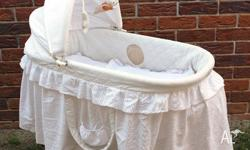 Bassinet - Love n care design - It is a used good