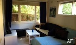 Private 1 bedroom unit situated in leafy Box Hill