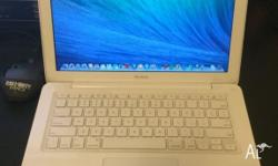 Macbook 13-inch intel 2.2G 4G Ram 500G HDD DVDRW fixed