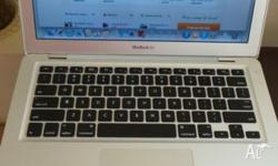 MACBOOK AIR 2009 MODEL In excellent condition. PRICE: