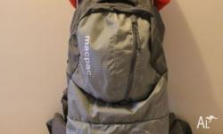 MacPac Vamoose child carrier Excellent Condition. Comes