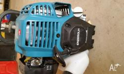 Makita petrol wipper snipper PAID $375 new and used
