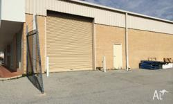 180m2 of clean warehouse space, roller shutter access