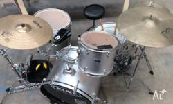 MAPEX DRUM SET Great used condition. $500 or make an