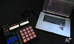 Rarely used NI Maschine MK1 controller. I'm selling