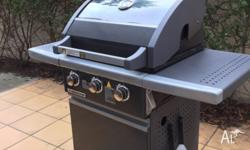 3-Burner Grill with ceramic flame control and drip