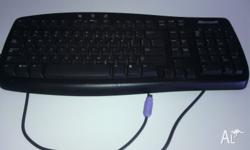 Mircosoft keyboard Hardly been used, no marks or