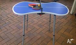 Mini ping pong set, consisting of -table (size of the
