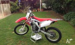 selling my 2011 crf 250, as i have no time to ride it