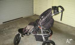 Moda 3 wheel pram. Used but in good condition. Pick up