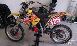 2000 RM125 recent topend rebuild starts first kick runs