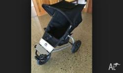 Mountain Buggy. Made in NZ Comes with muff and rain