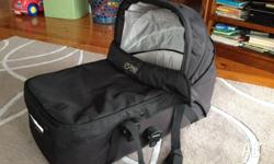 Mountain buggy carrycot for Urban Jungle Buggy Perfect