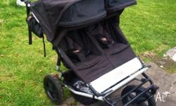 Excellent condition Mountain Buggy Duet. Purchased