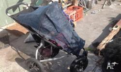 Mountain buggy urban, good condition. The RV of the