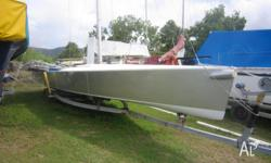 Must sell 9 m sports boat yacht 4 sale Whiysundays