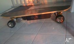"FIIK skateboard ""shorty"" Electric Divison.near new cond"