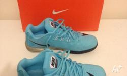NIKE MENS LUNAR BALLISTEC SIZE US 8 ALMOST BRAND NEW