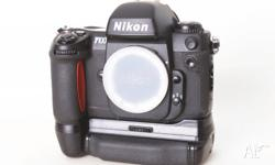 Nikon F100 35mm film camera for sale. Excellent