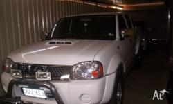 nissan navara 09 diesel 4x4 D/cab ST-R 5 speed manual,