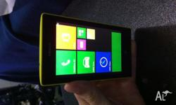 NOKIA LUMIA UNLOCKED 8GB YELLOW WINDOWS PHONE WITH BOX