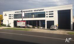 First class office / showroom to lease. 400m2 with