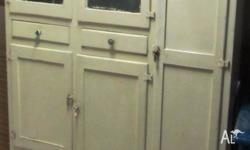 Old style kitchen cabinet with 5 doors & 2 draws 1660