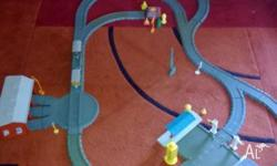 Click together train set (plastic) with all signs,