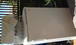 240L, 6 trays, each 40L Freezer selling, no need