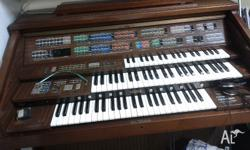 I'm selling my Yamaha organ as it does not fit in my