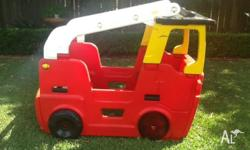 Little Tikes play fire truck with water feature Great