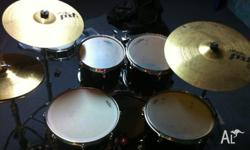 Hardly used pst3 cymbals. A few stick marks and a bit